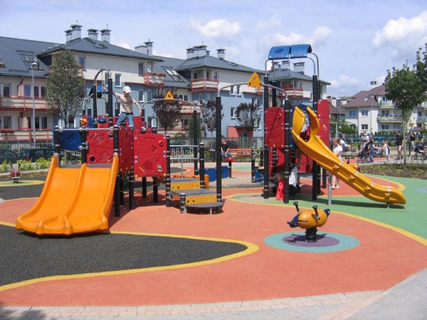 Plac Zabaw Na Ursynowie W Warszawie